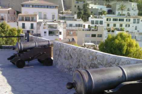 Cannon placements over Ibiza Harbour